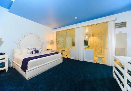 property Suite Bedroom blue Villa living room condominium cottage mansion