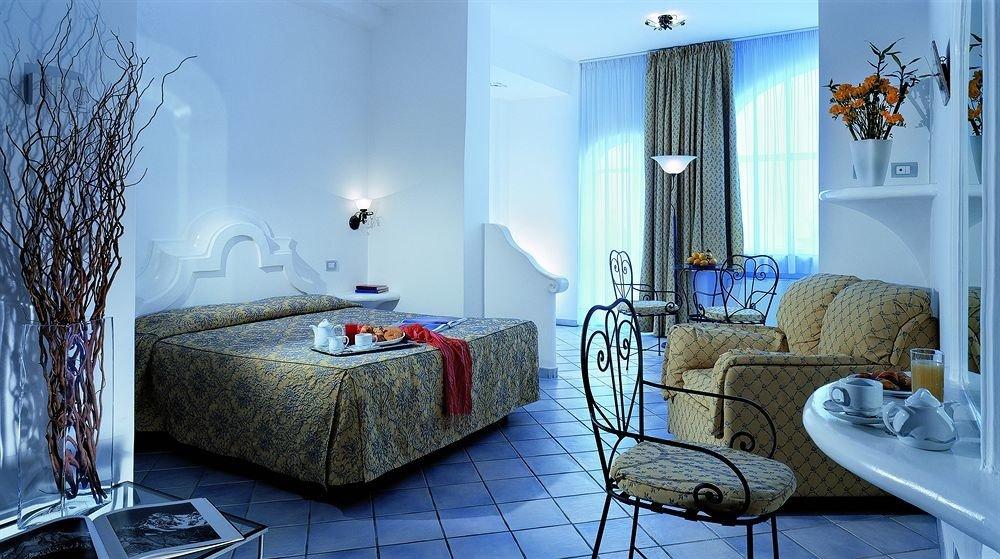 blue property house living room home cottage Suite Villa condominium mansion Bedroom