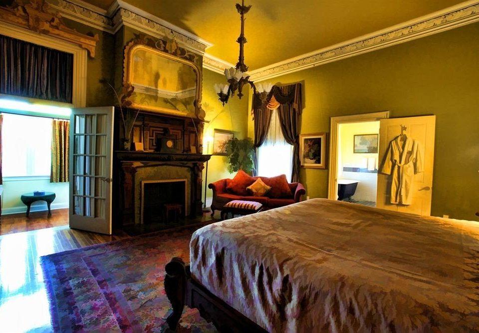 property Bedroom building home cottage Villa hardwood mansion farmhouse living room Suite