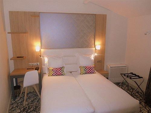 property building Suite cottage Bedroom white Villa