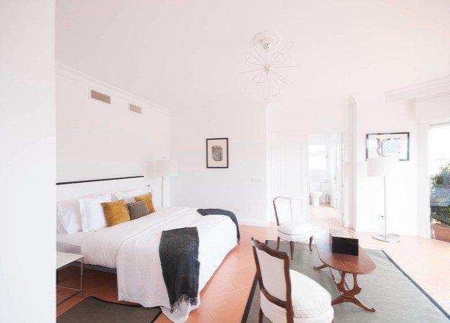 property building cottage condominium Villa Suite loft Bedroom