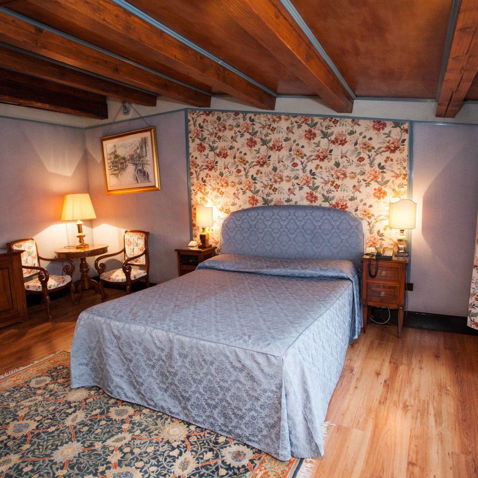 Bedroom property building cottage Suite farmhouse Villa