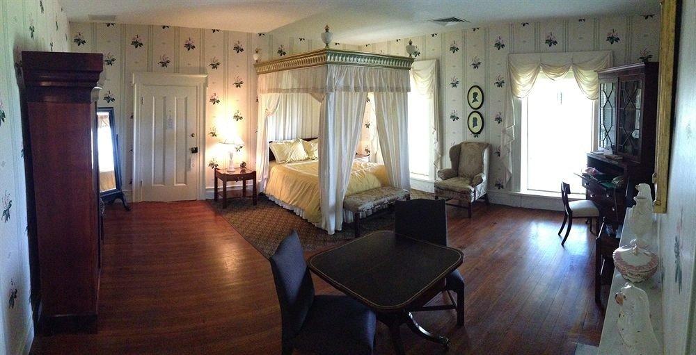 property building cottage Villa mansion Suite Bedroom