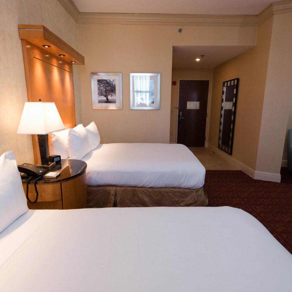 Bedroom property building Suite cottage Villa pillow