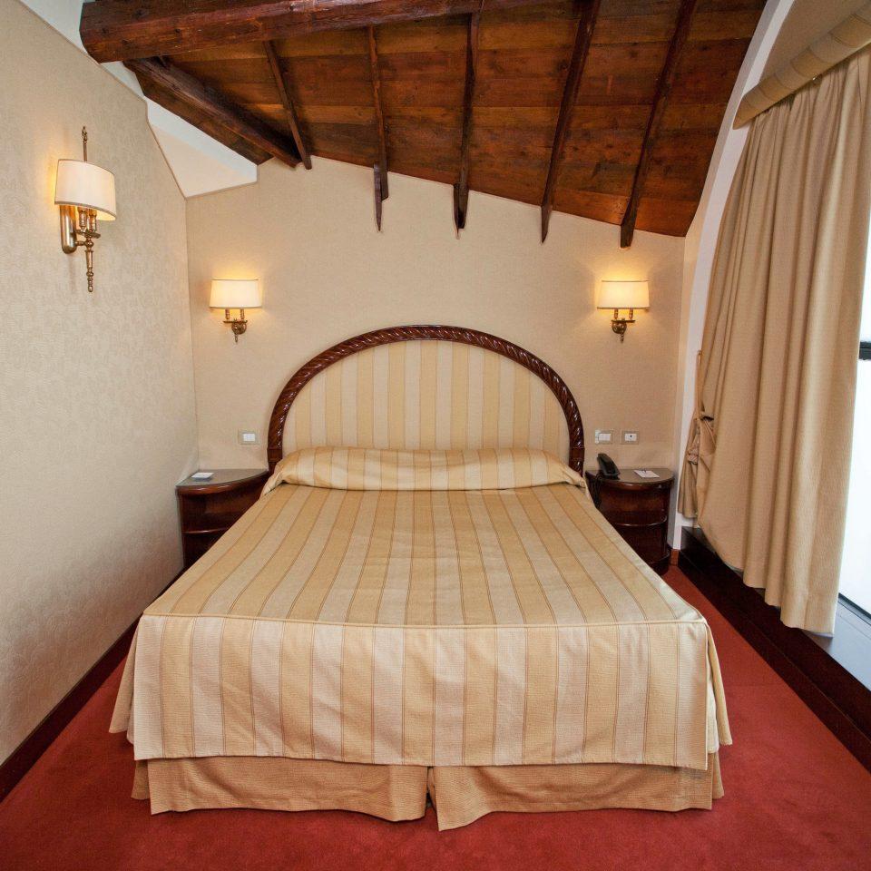 property Bedroom building cottage Suite Villa