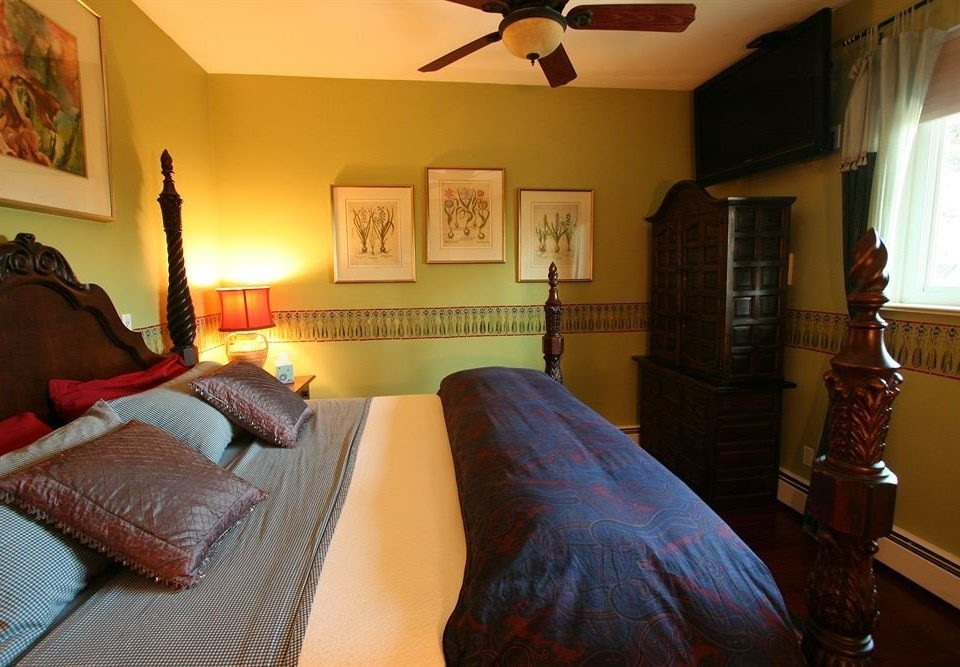 property building house Bedroom cottage home Villa Suite lamp