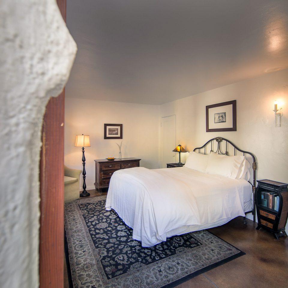 Bedroom property building Suite cottage Villa