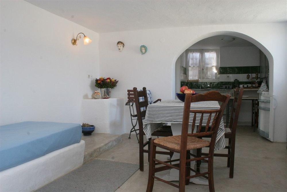 property building Villa cottage hacienda farmhouse Bedroom Suite