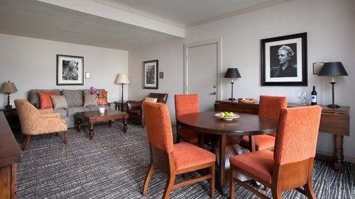 chair property cottage Villa Suite condominium living room Bedroom