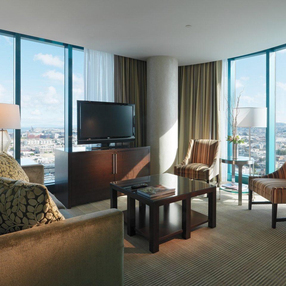 sofa property living room chair condominium Suite home nice Villa flat Bedroom overlooking
