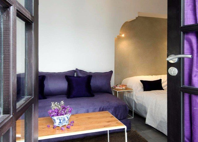 property purple chair Suite living room cottage Villa Bedroom