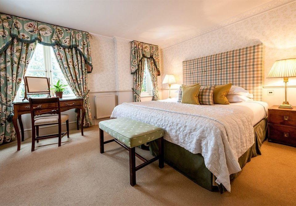 Bedroom property chair Suite cottage hardwood home Villa living room farmhouse lamp