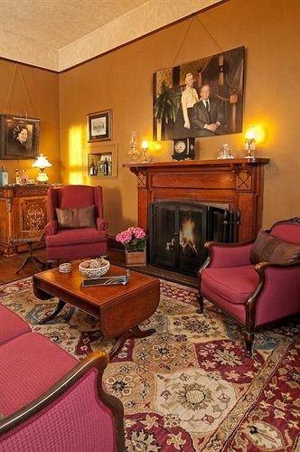 property chair living room Suite cottage hardwood home Bedroom Villa recreation room