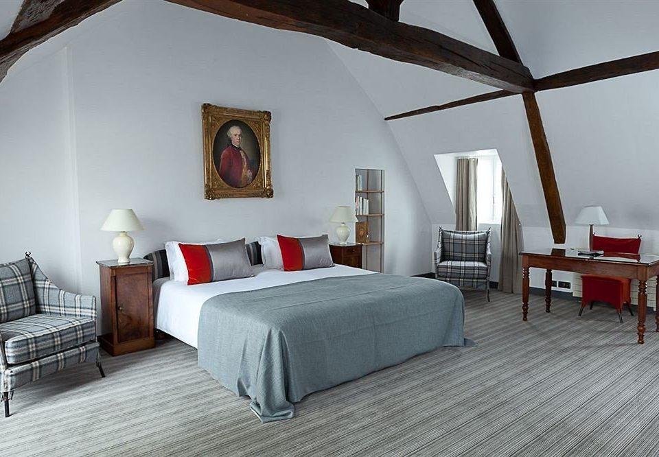 property chair Bedroom cottage Villa Suite hardwood living room farmhouse