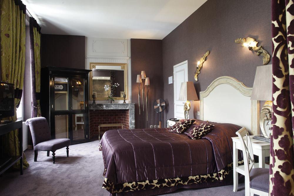 property chair Bedroom Suite living room home Villa cottage mansion leather