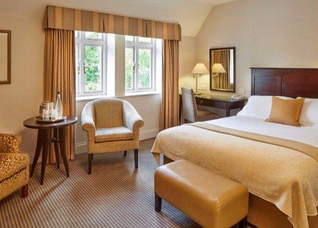 chair property Suite cottage hardwood living room condominium Villa Bedroom