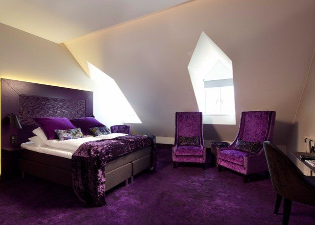 purple property Bedroom pink Suite living room cottage Villa colored