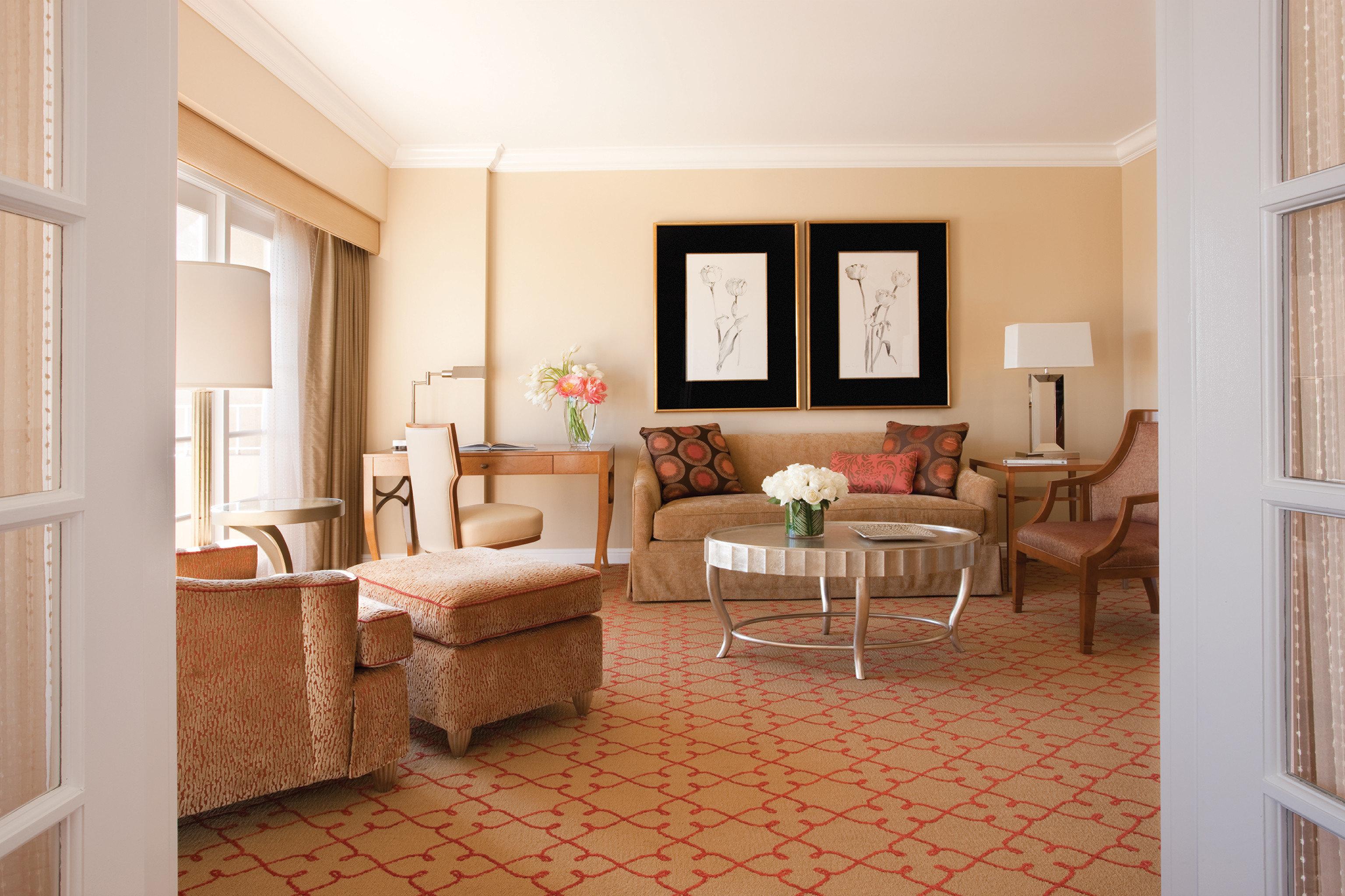 property living room home cottage hardwood Suite farmhouse rug Villa condominium Bedroom