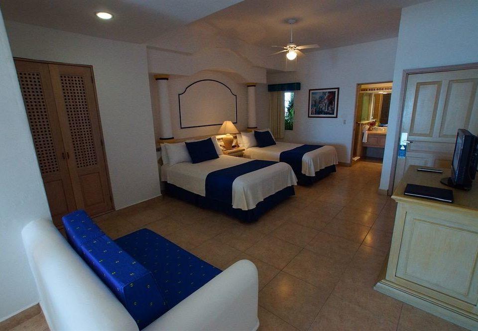 property Suite cottage Villa Bedroom condominium living room