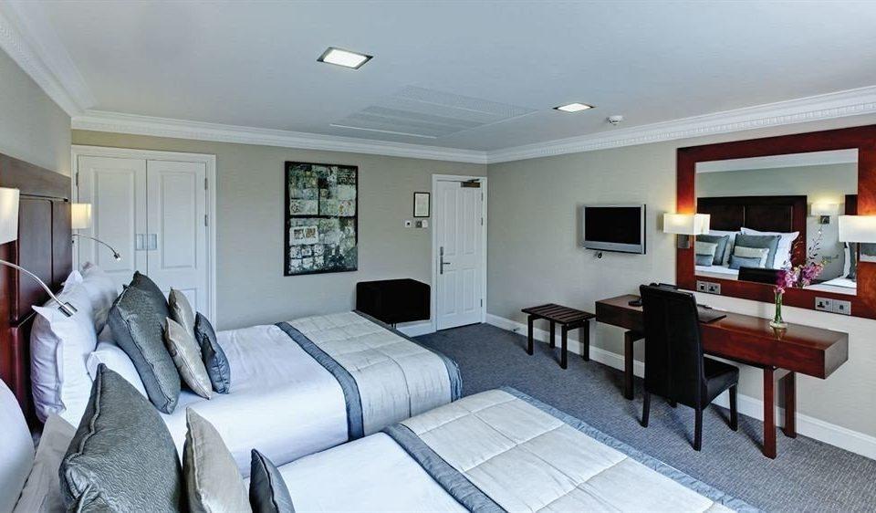 property living room home condominium Suite cottage Bedroom Villa