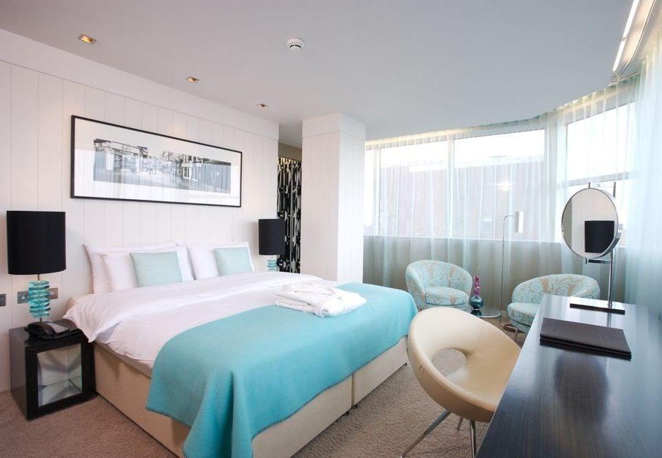 sofa property Suite Bedroom condominium cottage Villa