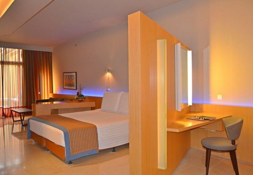 property Suite Villa condominium cottage Bedroom lamp