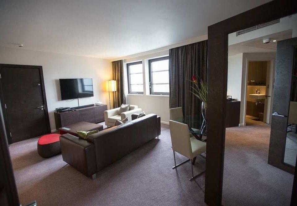 property Bedroom condominium Suite living room Villa cottage