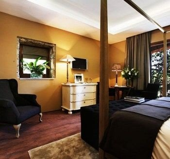 property condominium Suite living room Bedroom Villa