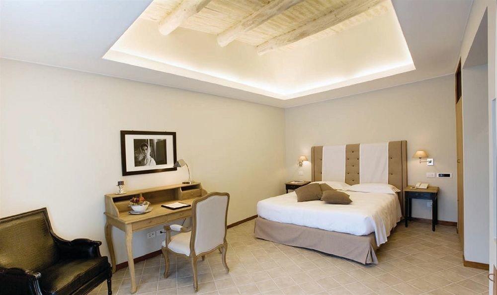 property Bedroom Suite living room cottage condominium Villa