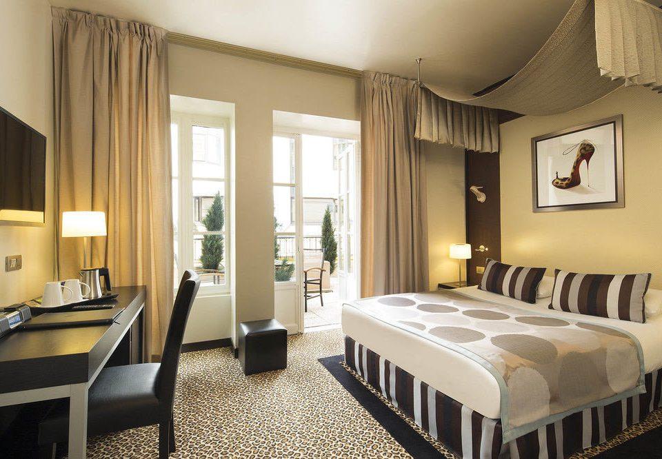 property Suite Bedroom condominium home living room Villa