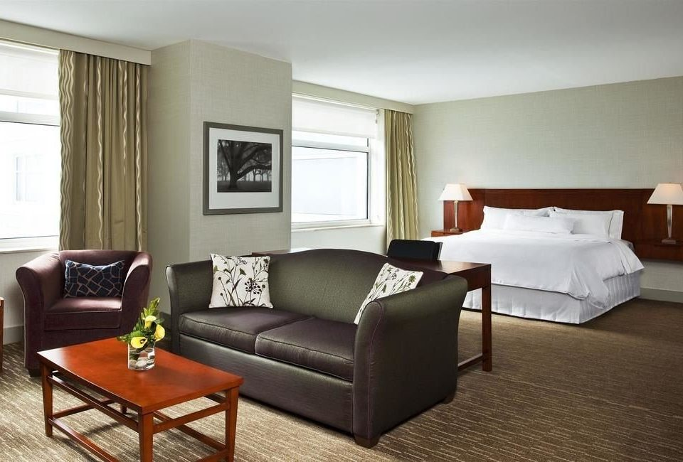sofa property living room home hardwood Suite condominium cottage Bedroom Villa