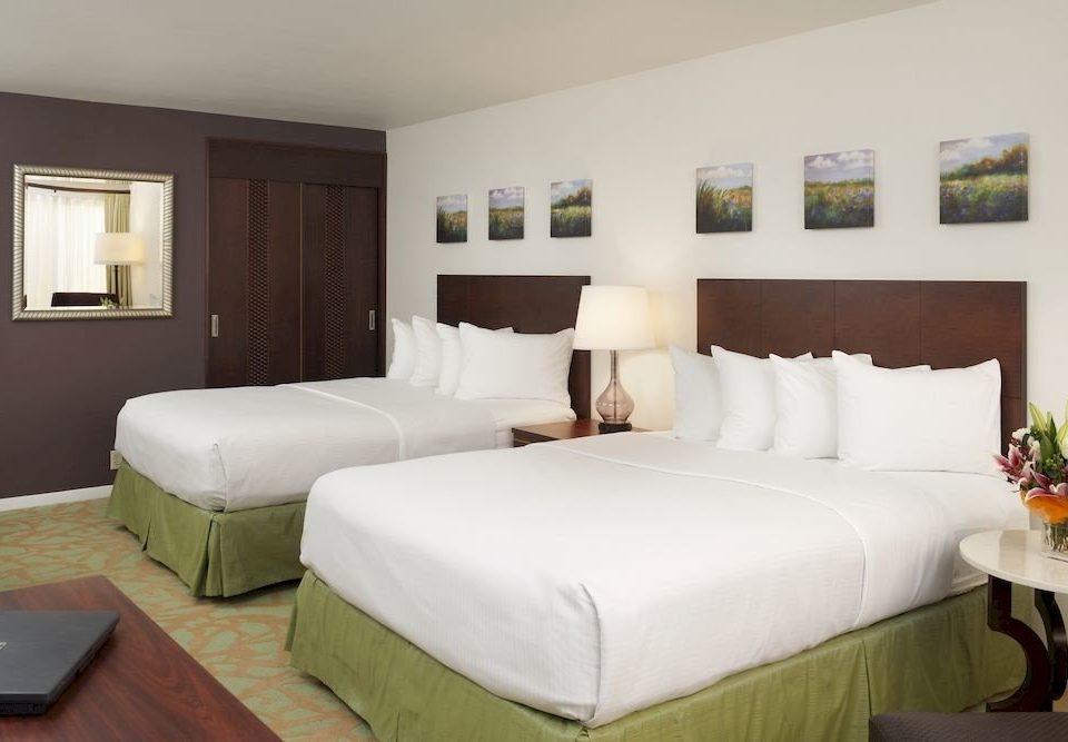 sofa property Suite Bedroom condominium cottage living room Villa