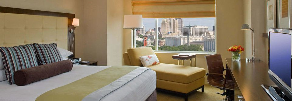 sofa property Suite condominium cottage living room home Villa Bedroom