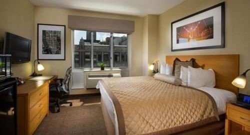 property Bedroom cottage Suite condominium home Villa