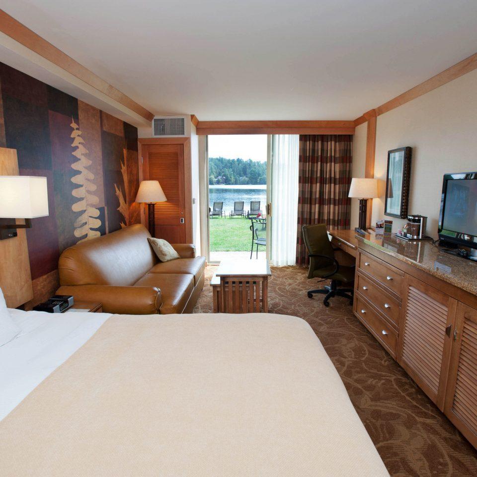 Bedroom property cottage Suite home hardwood Villa condominium living room
