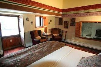 property Bedroom Suite cottage Villa condominium