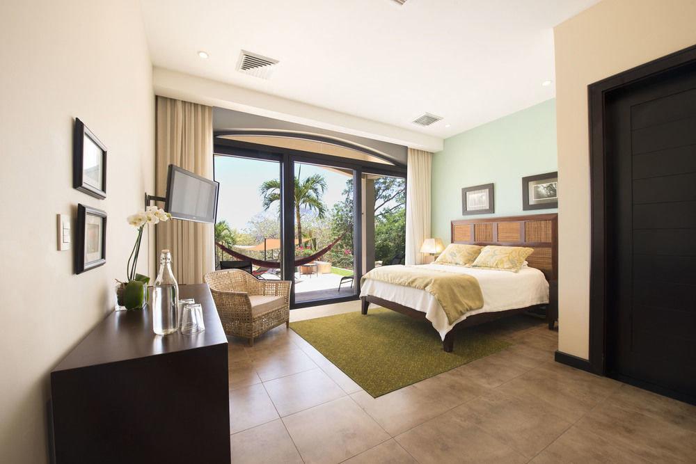 property condominium living room home Villa hardwood Suite Bedroom mansion