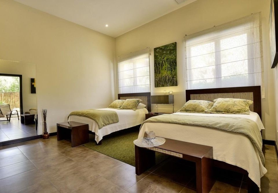 Bedroom property Suite condominium cottage Villa living room