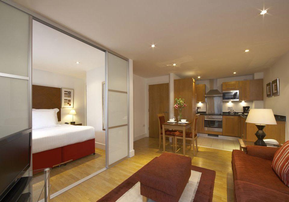 property living room Suite hardwood home condominium Villa Bedroom