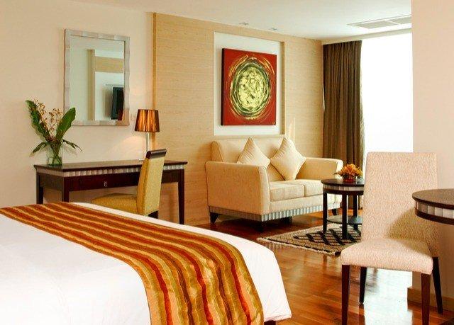 property living room Suite home hardwood condominium cottage Villa Bedroom