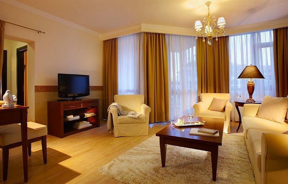 property Suite living room condominium home cottage Villa Bedroom flat lamp