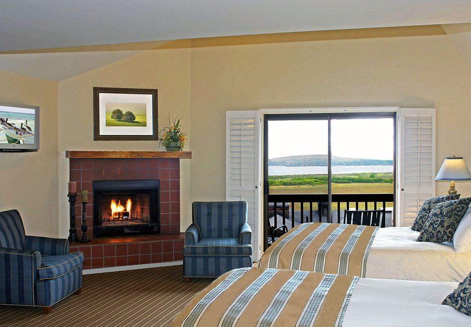 sofa property living room home hardwood Bedroom condominium cottage Villa Suite