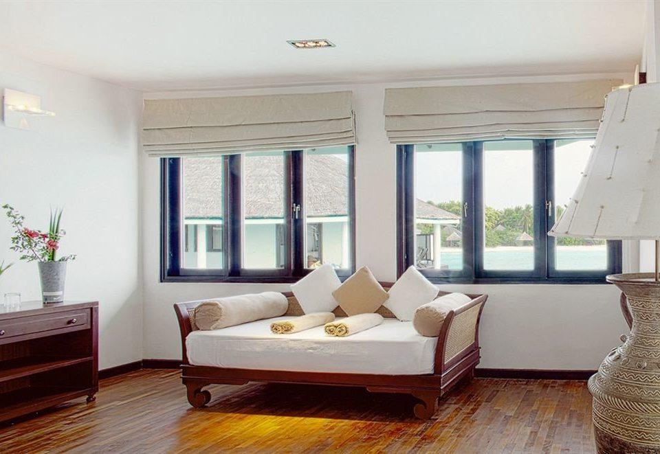 property living room home Bedroom hardwood condominium Suite cottage Villa flat
