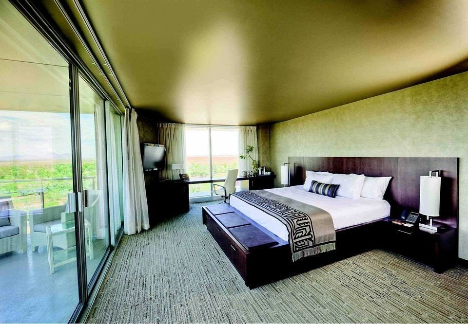 property Bedroom condominium Suite Villa