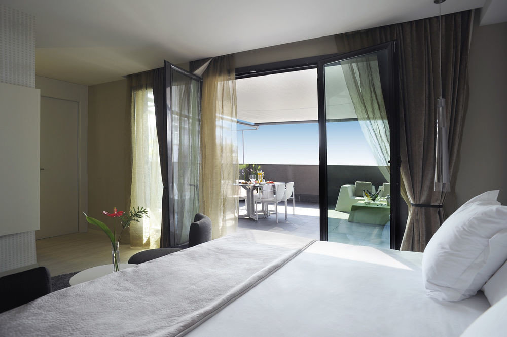 property Bedroom condominium Suite living room home white Villa