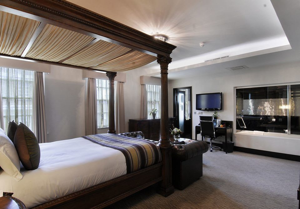 sofa Bedroom property living room condominium home Suite Villa mansion