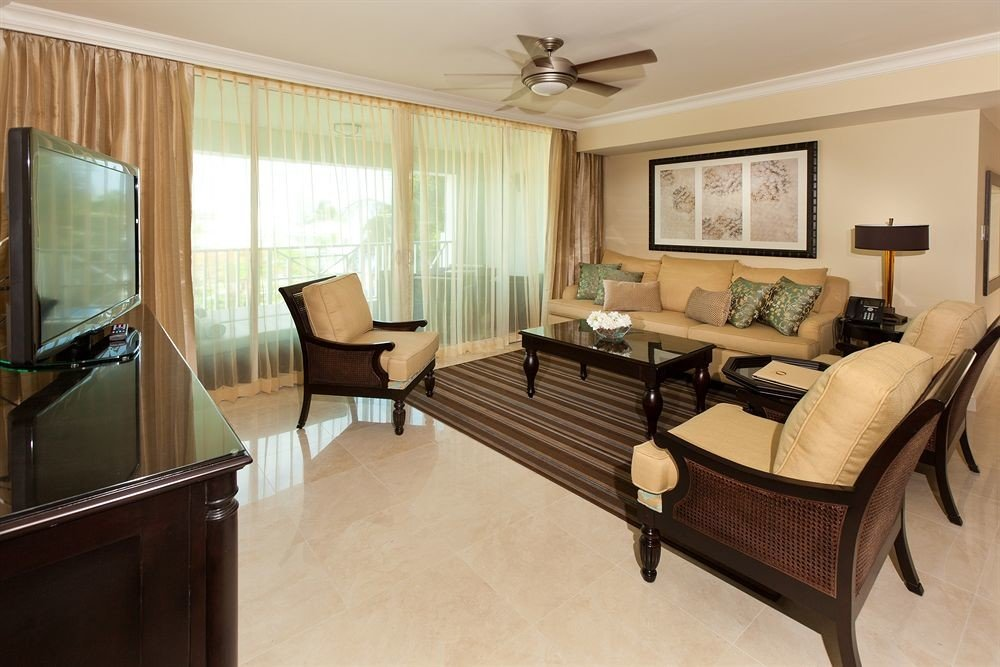 property living room Suite home condominium hardwood Bedroom cottage Villa