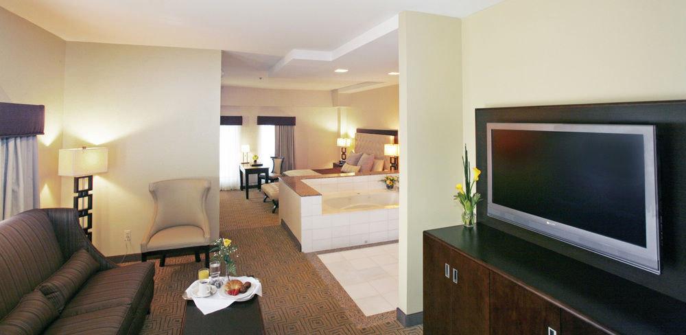 television property living room Suite condominium flat screen home Villa cottage Bedroom