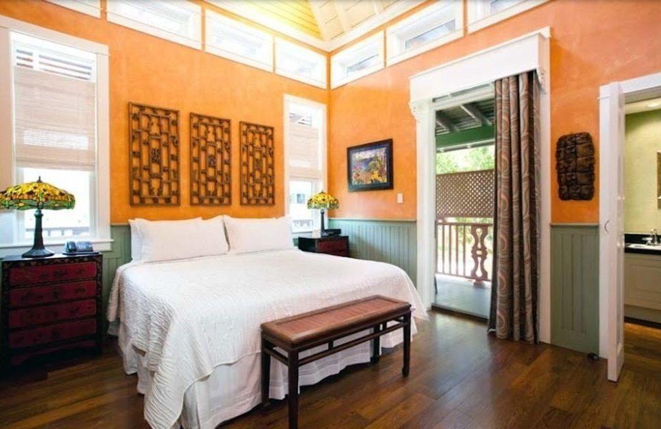 property Bedroom home hardwood cottage Suite Villa condominium farmhouse