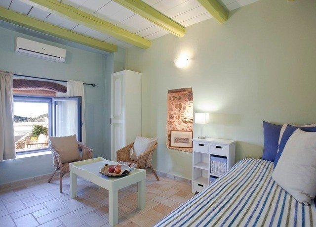 property cottage Villa Bedroom condominium living room Suite